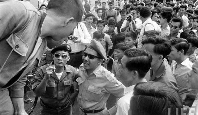 Quyển 33 – Siêu Điệp Báo Việt Cộng = Siêu Lừa + Giết người