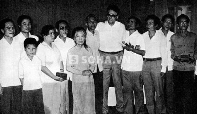 Bài 2. Nguyễn Ái Quốc cử 8 thanh niên – 8 hạt giống đầu tiên đi học – Hồ giết toàn bộ rồi quên.