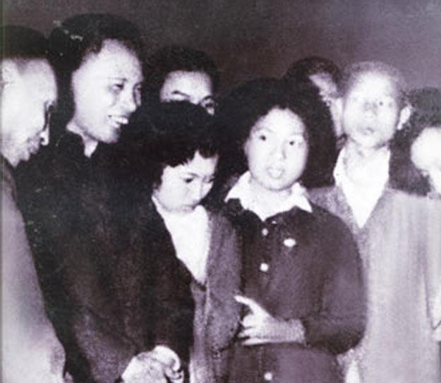 """Bài 3. Cưới vợ 1946 – Bốn """"Nhà Cách Mạng"""" cùng lấy 4 chị em gái, và nhà đó mấy anh em cũng đều là """"Nhà Cách Mạng"""" – Dấu hiệu của họ nhà quỷ."""