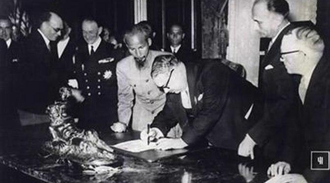 Bài 1.  Văn bản Việt – Pháp ký kết trong năm 1946 là cần thiết và chấp nhận được.