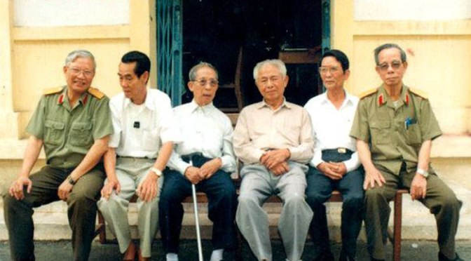 """Episode 27.  Communist Vietnam and Tu Cang gave the untruthful stories:  """"The attacks on the Presidential Palace""""."""